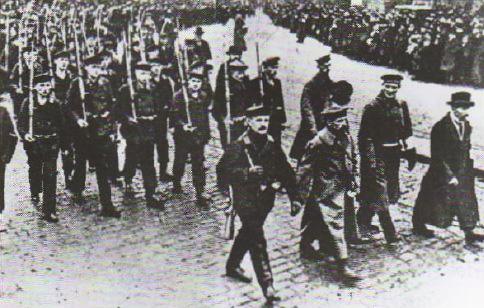 Революция в Германии годов Ноябрьская революция  Демонстрация матросов в Киле